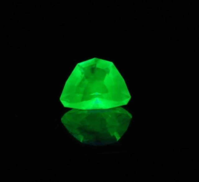 Faceted Mexican hyalite opal extreme fluorescent